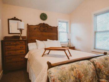 Rooms, Garden Grove Inn Bed & Breakfast